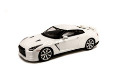 1/14 NISSAN GT-R R35 (White, Ni-Cd Battery)