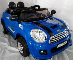 ������� ������������� RIVERTOYS Mini Cooper VIP (�����, �����) � ��-���������